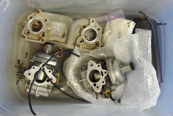 Lotus_manifold_and_Stromberg_carbs_.jpg