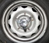 1967_Lotus_Elan_wheel_with_hub_smaller.jpg